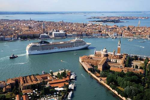 Puerto de Venecia