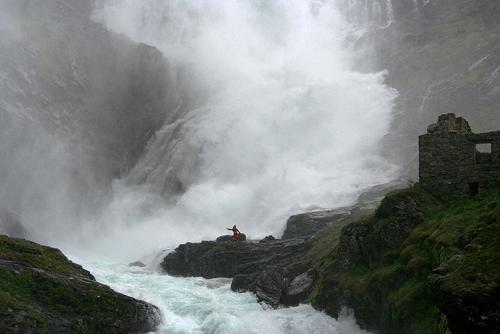 Catarata Kjosfossen