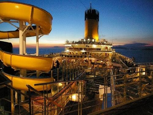 crucero para navidad a bordo del Costa Magica