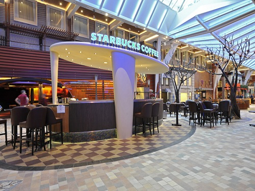 Starbucks Coffee Company junto a Royal Caribbean